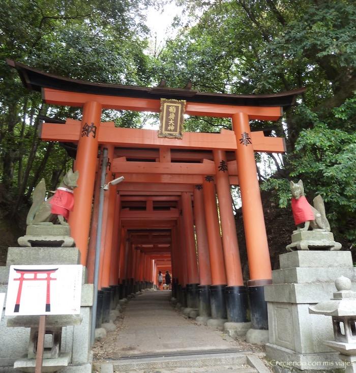 P1010569 - Fushimi Inari y Templo Plateado de Kyoto
