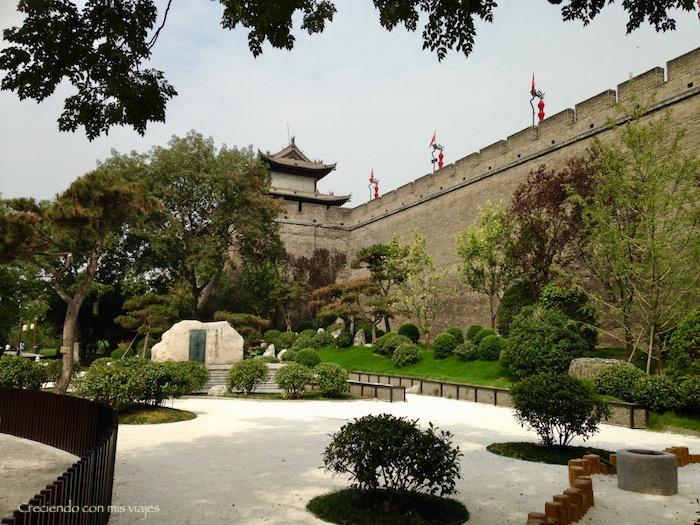 parque junto a la Torre Sur y la Muralla de Xi'an